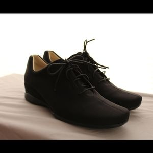 Rockport dynamic suspension sneakers